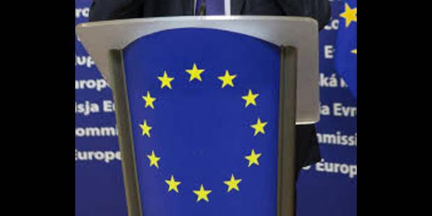 """La zone euro souhaite la """"formation rapide d'un nouveau gouvernement"""""""