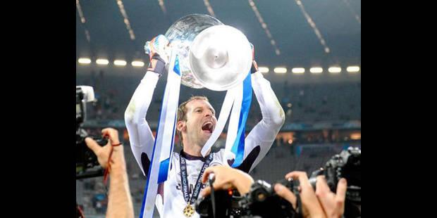 Le journal du mercato (27-28/05): Cech 4 ans de plus à Chelsea,  Bailly quitte Genk
