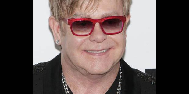"""Elton John hospitalisé pour une """"infection respiratoire grave"""" - La DH"""