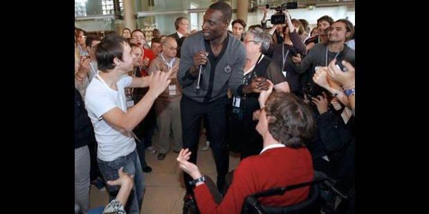 Omar Sy danse pour tous les intouchables