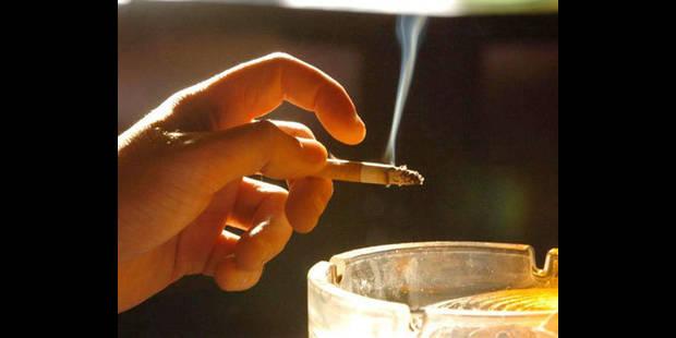 Fumer coûtera moins cher en 2012 - La DH