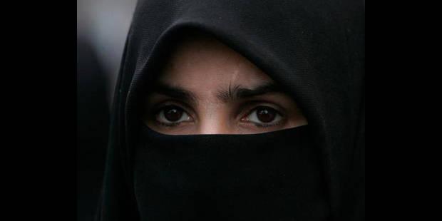 Le contrôle d'une femme au niqab vire à l'émeute