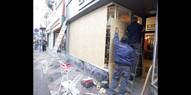 54 commerçes vandalisés - La DH