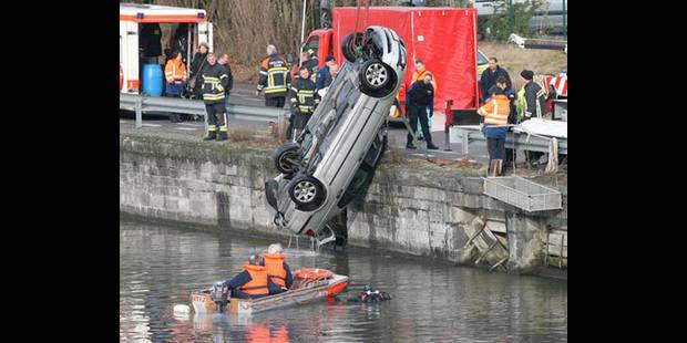Un Blandinois de 18 ans  meurt noyé dans une voiture - La DH