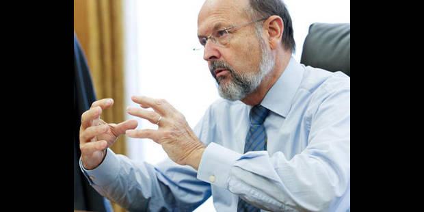 Luc Coene attribue la hausse du taux belge à la crise politique - La DH