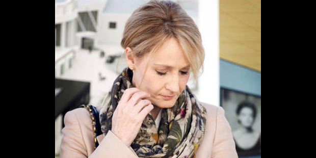 J.K. Rowling dit avoir dû déménager à cause des médias - La DH