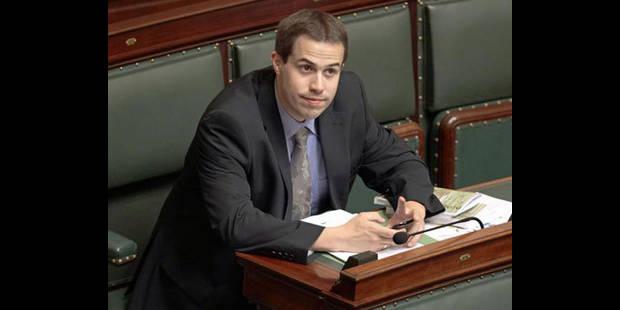Une plainte pour harcèlement visant le député Laurent Louis classée sans suite - La DH