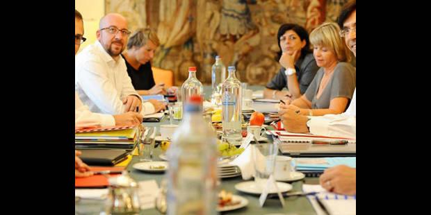 Formateur: réunion à huit partis sur BHV, amorce des négociations - La DH