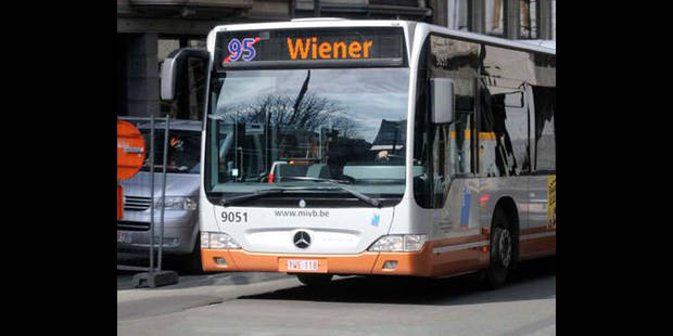 Deux blessés graves dans une collision avec un bus de la Stib à Laeken - La DH