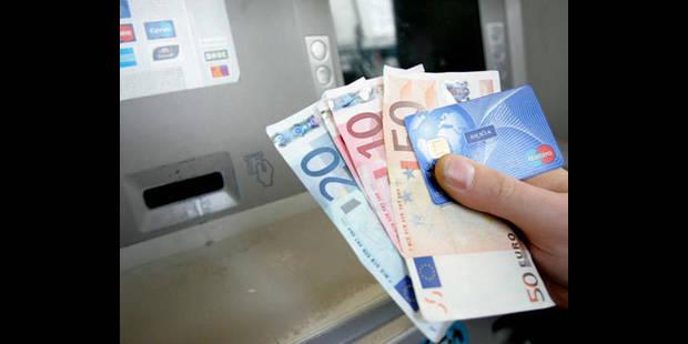 Vol de carte bancaire: deux individus interpellés par la police de Bruxelles - La DH