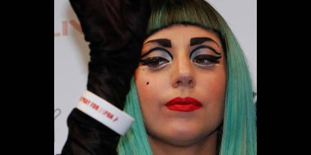 Lady Gaga garde-t-elle l'argent de ses bracelets ? - La DH