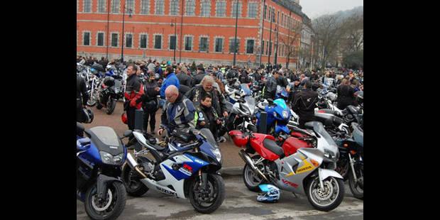 2.500 motards mécontents - La DH