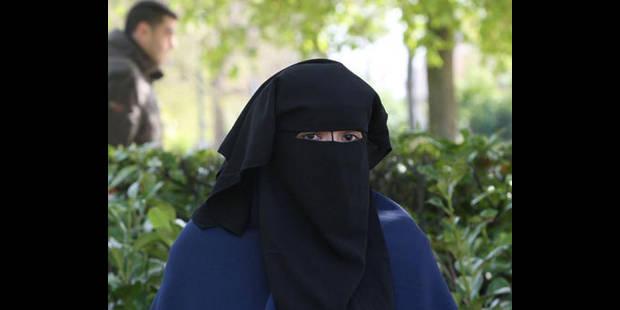 Port de la burqa: l'urgence de légiférer selon Bacquelaine et Ducarme (MR) - La DH