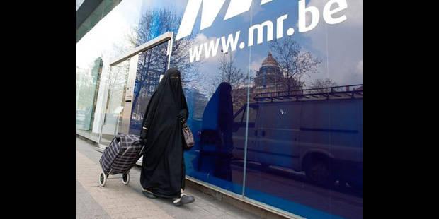 Interdiction burqa/niqab: Bacquelaine veut relancer la procédure parlementaire - La DH