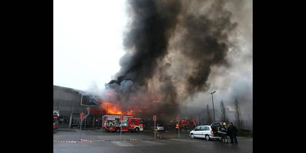 Incendie de Mons: l'auteur de l'incendie placé en IPPJ - La DH