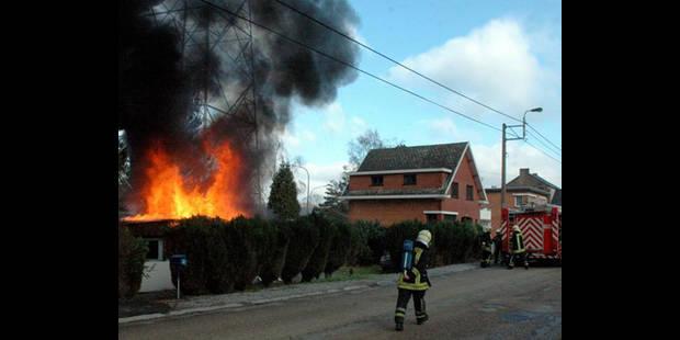 Violent incendie à Ombret - La DH