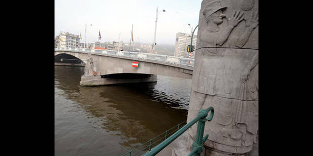 Une péniche à heurté le pont des Arches - La DH