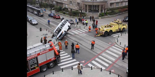 Plus d'un accident grave par mois - La DH