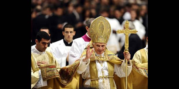 Le Pape accepte enfin la capote! - La DH