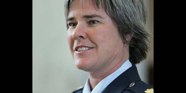 La justice ordonne la réintégration d'une lesbienne exclue de l'armée - La DH