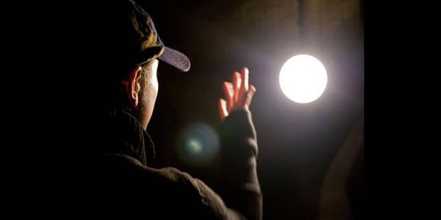 Un Belge d�c�de apr�s son interrogatoire dans un a�roport japonais