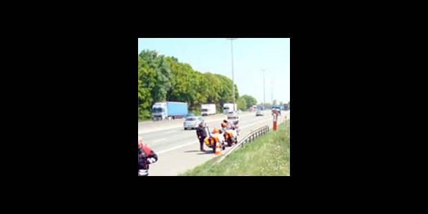 Accident sur la E40: une victime décédée, l'autre dans un état grave - La DH