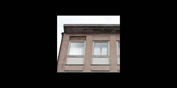 Un enfant de deux ans coincé sur un toit à Burdinne - La DH