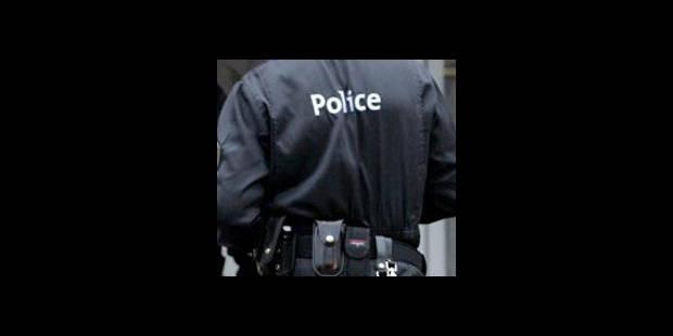 Charleroi: deux policiers sous les verrous - La DH