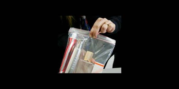 plus de 45 objets interdits et 400 litres de liquides saisis par jour la dh. Black Bedroom Furniture Sets. Home Design Ideas