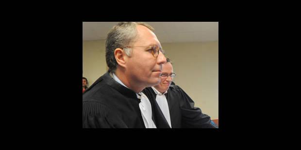 Modrikamen devant le tribunal de commerce - La DH