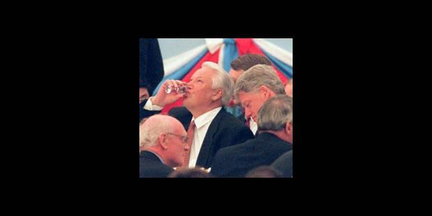 """Bill Clinton dépeint un Eltsine """"ivre"""" et un Bush """"incompétent"""" - La DH"""