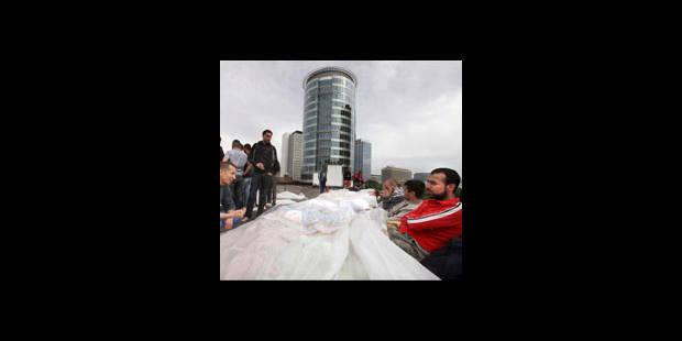 Les sans-papiers de la place Saint-Lazare évacués - La DH