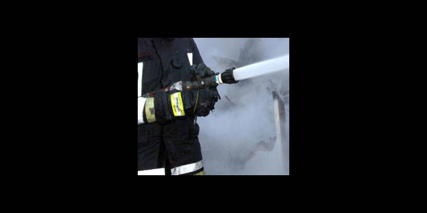 Incendie à Durbuy: 30 clients évacués, 30 pompiers mobilisés - La DH