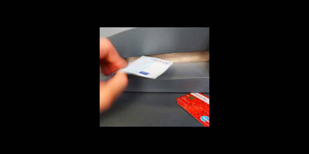 Cartes bancaires copiées : 3 Roumains appréhendés à Bruxelles - La DH