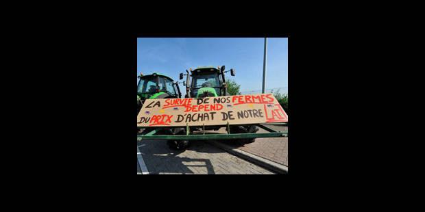 Les agriculteurs bloquent toujours plusieurs centres de distribution - La DH
