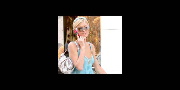 """Paris Hilton sans son GSM se sent  """"violée"""""""