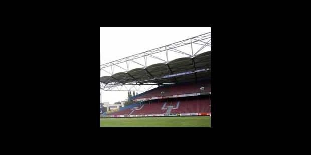 Stade de Charleroi : pas de démolition immédiate