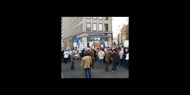 Manifestation à Bxl de clients mécontents de Citibank et DB - La DH
