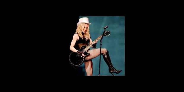 Madonna chute en plein concert