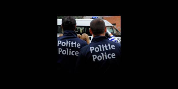 Deux policiers accusés de blanchiment - La DH