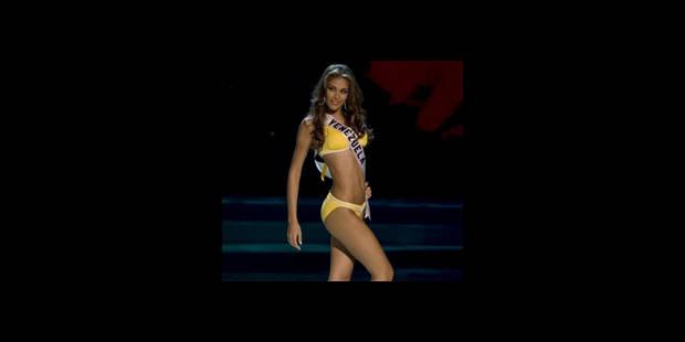 Miss Univers posait déjà nue à 15 ans