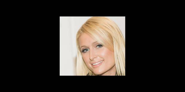 """Paris Hilton réplique à John McCain: """"Mec ridé aux cheveux blancs"""""""