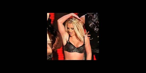 """""""Moins de problèmes depuis que Britney porte des habits"""""""