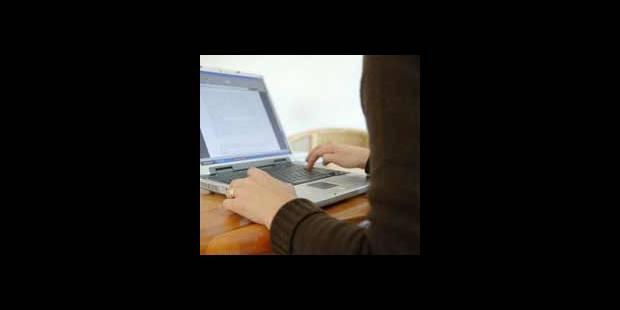 Les mails des Belges contrôlés au travail ? - La DH