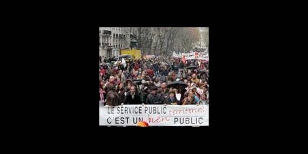 """Grèves en France: """"La loi de la jungle"""" - La DH"""