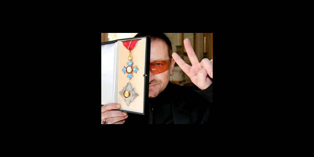 Bono élevé au rang de chevalier - La DH