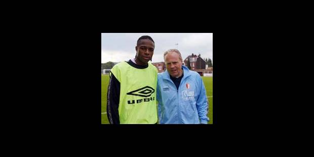 STANDARD - Emile Mpenza sera aligné derrière Sambegu Bangoura - La DH