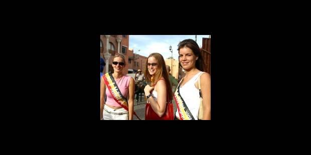 Les finalistes de Miss Belgique: robes longues à la piscine - La DH
