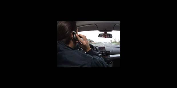 GSM au volant: gare au P.-V. - La DH