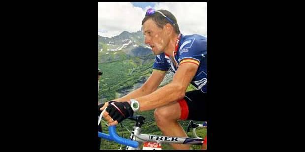 Lance Armstrong triomphe dans l'Alpe